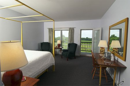 Murphin Ridge Inn, cozy single room